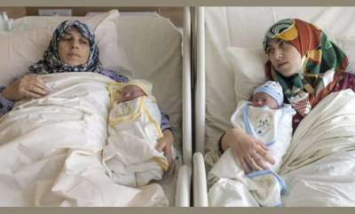 latest-news-mother-and-her-daughter-gave-birth-to-babies-at-the-same-time