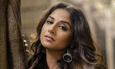 chit-chat-vidya-balan-saw-a-man-in-front-of-her-on-a-local-train