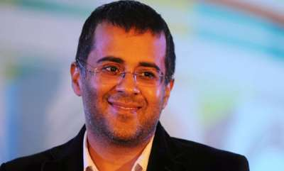 latest-news-chetan-bhagat-wants-diwali-celebrated-with-firecrackers-because-tradition