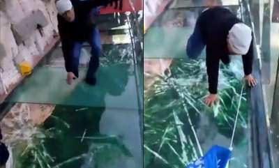 odd-news-glass-bridge-look-like-it-was-cracking-under-peoples-weight