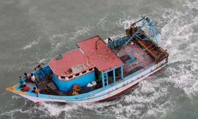 latest-news-bypore-cost-fishing-boat-capsizes
