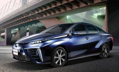 auto-the-hydrogen-powered-toyota-mirai-and-the-regions-first-hydrogen-refuelling-station-land-in-dubai