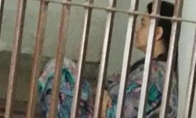 latest-news-honeypreet-breaks-down-as-parents-visit-her-in-ambala-jail-before-diwali