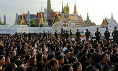 odd-news-thailand-kingss-burial
