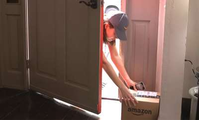 tech-news-amazon-key-service-delivers-packages-inside-your-home