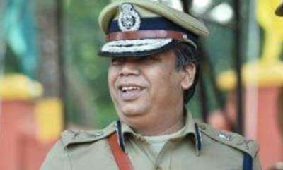 latest-news-dgp-loknath-behra-mokes-about-the-exercise-of-police-officers