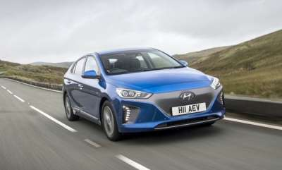 auto-hyundai-ioniq-is-named-2017-womens-world-car-of-the-year