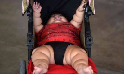 world-mexican-baby-weighs-27-kg-at-just-10-months-of-age