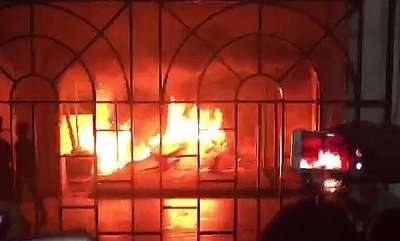 latest-news-violence-arson-at-chennais-sathyabama-university-after-student-kills-herself