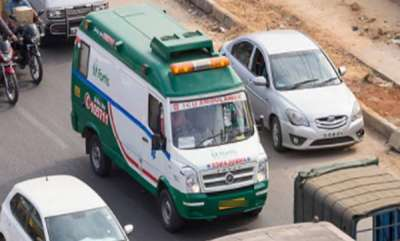 latest-news-police-confiscate-ambulance-that-carrying-patient