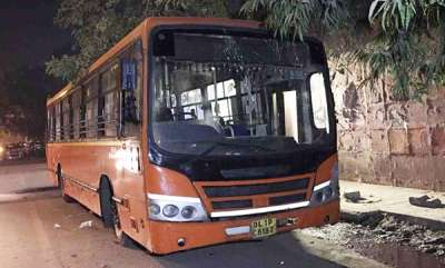 crime-man-stabbed-to-death-on-moving-delhi-bus