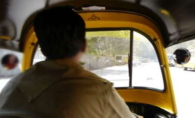 latest-news-auto-driver-misbehaved-to-woman
