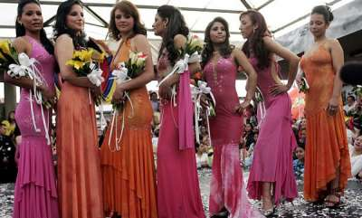 life-style-columbia-prison-hosts-beauty-pageant-for-inmates