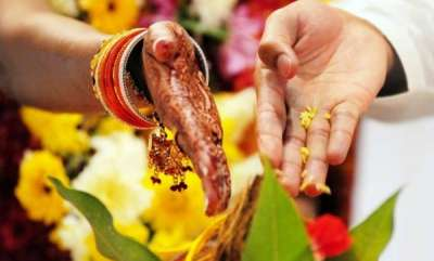 latest-news-hindu-girl-wants-muslim-lover-to-convert-for-marriage