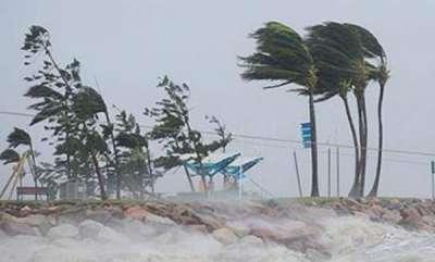 latest-news-cyclone-ockhi-effect-teachers-kerala-in-maldives