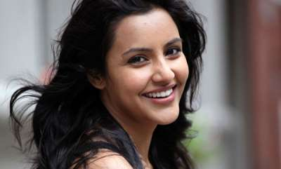 latest-news-i-cancelled-three-of-my-projects-to-be-part-of-kayamkulam-kochunni-priya-anand