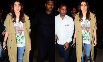 chit-chat-amid-speculation-of-a-wedding-with-virat-kohli-in-italy-anushka-sharma-and-family-leave-mumbai