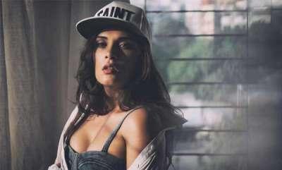 odd-news-richa-chadha-says-she-will-give-names-of-molesters