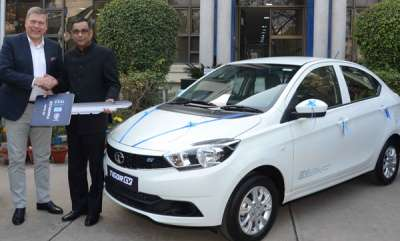 auto-tata-motors-delivers-first-batch-of-tata-tigor-evs-to-eesl