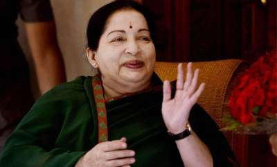 india-jayalalithaa-was-brought-to-hospital-in-breathless-state-hospital