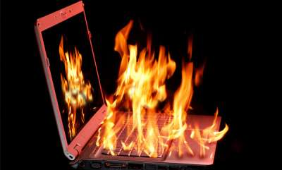 latest-news-laptop-burns-while-charging