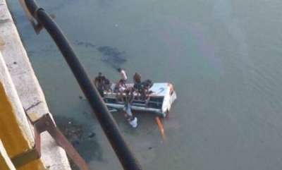 india-27-killed-and-24-injured-after-bus-fall-into-banas-river-in-rajasthan