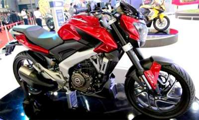 auto-bajaj-dominar-400-with-new-racing-red-colour-spotted