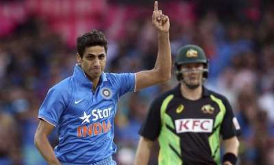 sports-news-ipl-11-ashish-nehra-gary-kirsten-join-royal-challengers-bangalore-as-coaching-staff