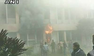 india-fire-at-brd-hospital-principals-office-gutted