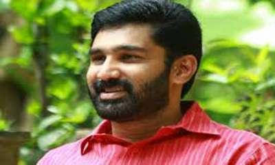 latest-news-cpm-activists-attack-vt-balram-mla