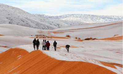 environment-snow-falls-in-sahara-desert