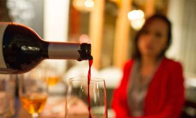 latest-news-sri-lanka-removes-ban-on-sale-of-alcohol-to-women