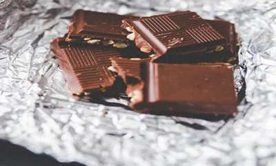odd-news-chocolate-bars-in-55-countries-after-plastic-found