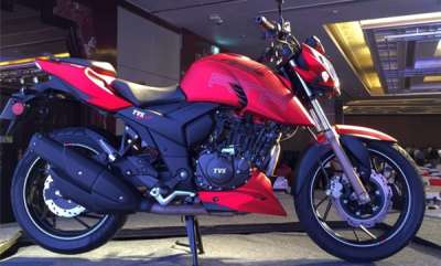 auto-tvs-apache-rtr-200-4v-abs-launched-at-rs-108-lakh