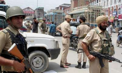 latest-news-pune-based-girl-detained-in-kashmir-likely-to-be-handed-over-to-family