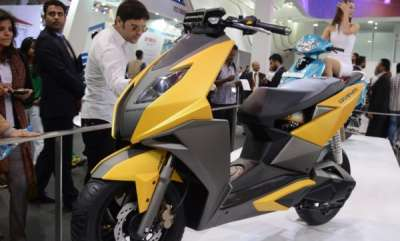 auto-tvs-125cc-scooter-graphite-likely-to-be-called-ntorq-125