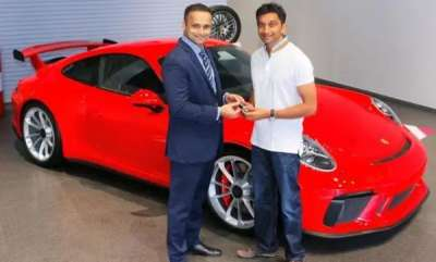 auto-indias-first-f1-driver-narain-karthikeyan-takes-delivery-of-a-porsche-911-gt3