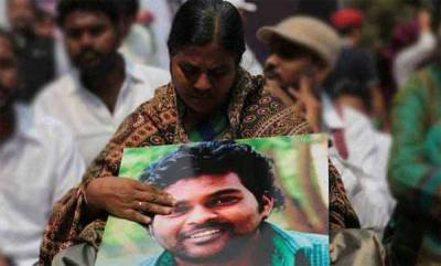 india-rohit-vemulas-mother-accepts-rs-8-l-compensation-from-uoh