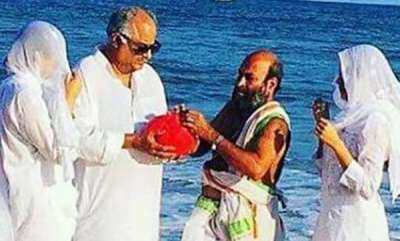latest-news-sridevis-ashes-immersed-in-rameswaram