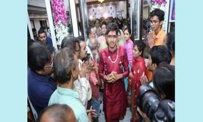 odd-news-gujarat-24-year-old-ca-mokshesh-shah-to-become-jain-monk