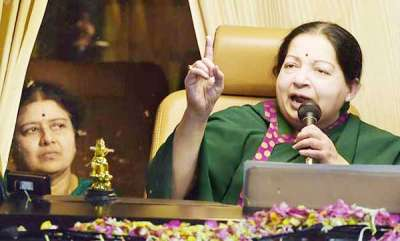 latest-news-jayalalithaa-had-refused-to-go-to-hospital-sasikala-tells
