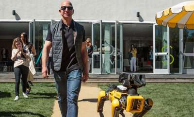 tech-news-jeff-bezos-takes-his-robotic-dog-out-for-a-stroll