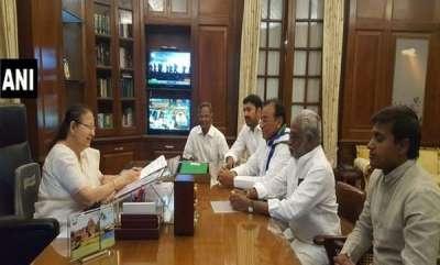 latest-news-5-ysr-congress-mps-resign-from-lok-sabha