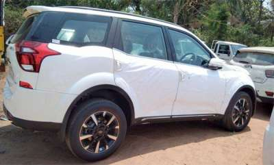 auto-mahindra-xuv500-facelift-pictures-leaked