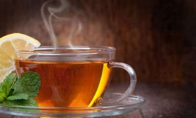 rosy-news-nagpur-couple-give-up-engineering-careers-to-sell-tea