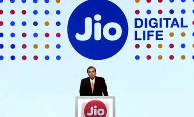 tech-news-reliance-jio-to-hire-up-to-80000-people