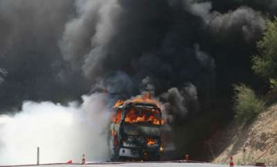 latest-news-27-killed-as-fire-breaks-out-in-a-bus-after-accident-in-motihari