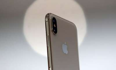 mobile-apple-could-be-planning-to-launch-an-iphone-with-three-rear-cameras-in-2019