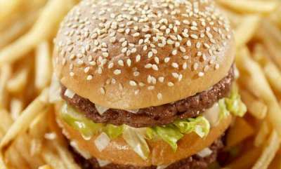 latest-news-delhi-man-in-hospital-after-plastic-pricks-throat-while-eating-burger