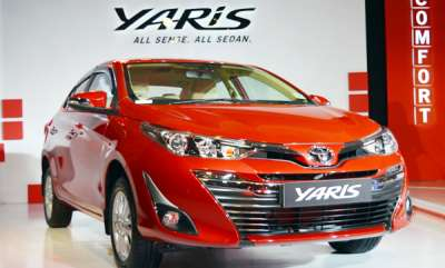 auto-toyota-yaris-mid-sized-sedan-launched-at-rs-875-lakh